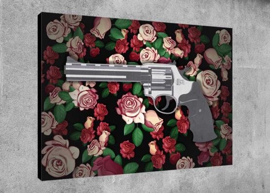 pistolet i róża