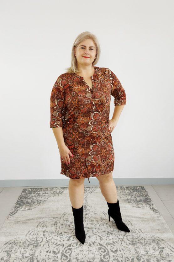 sukienka w jesienny wzór