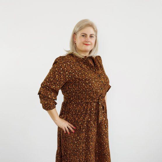 sukienka w brązowe kwiatki plus size