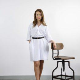 Biała sukienka z ozdobnym dekoltem