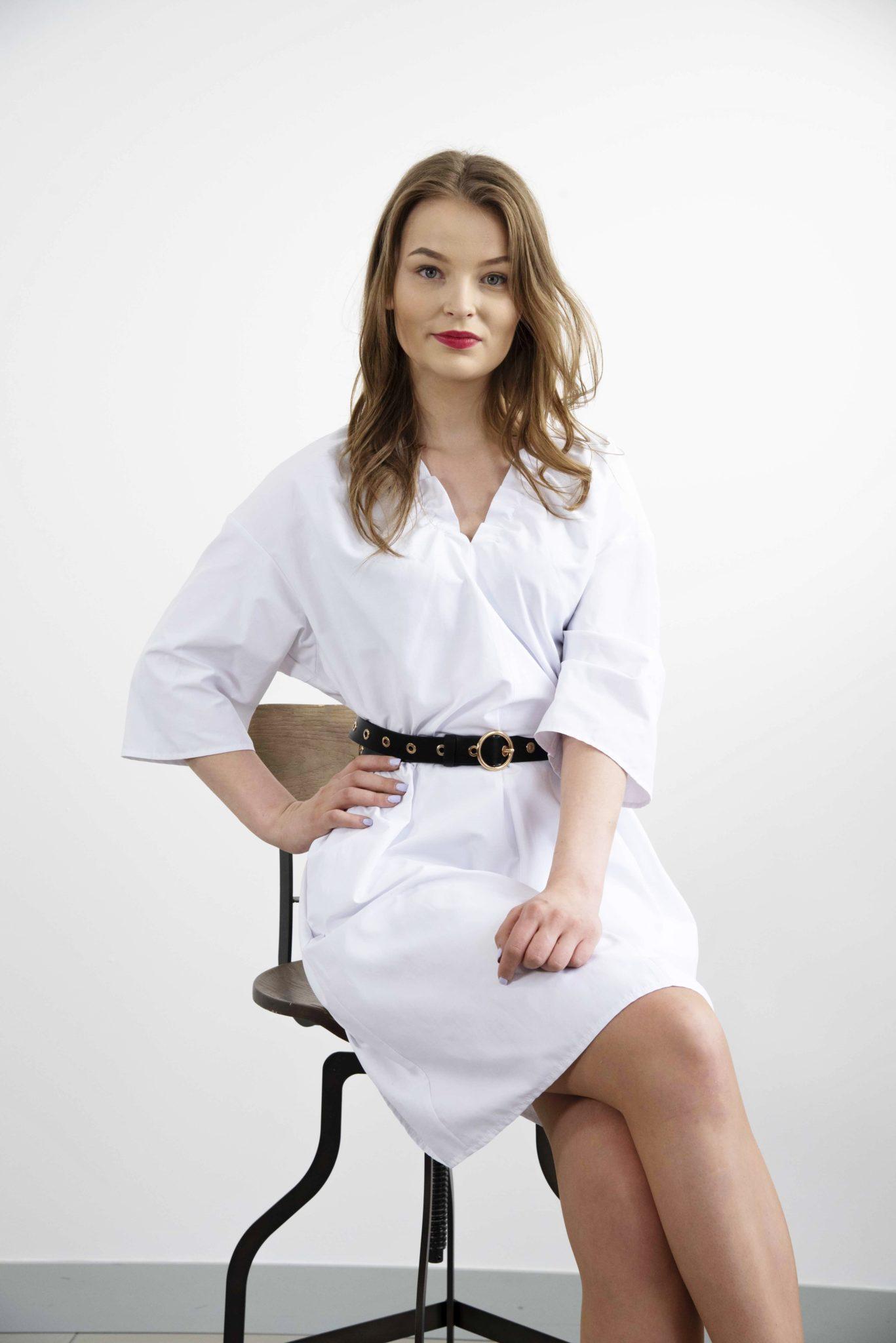 ciekawa biała sukienka