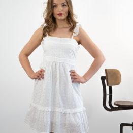 haftowana krótka sukienka
