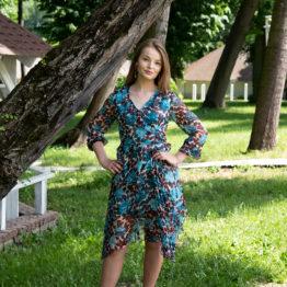 Szyfonowa niebieska sukienka midi