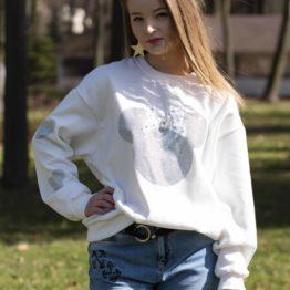 Biała bluza z bufiastymi rękawami