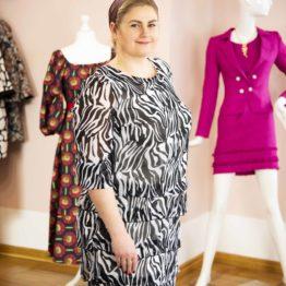 Klasyczna sukienka z printem