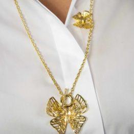 Długi złoty naszyjnik z motylem