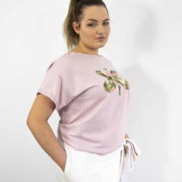 Różowa bluzka oversize